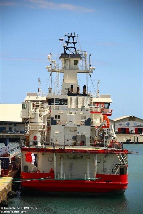 FRENCH WAR SHIP.jpg
