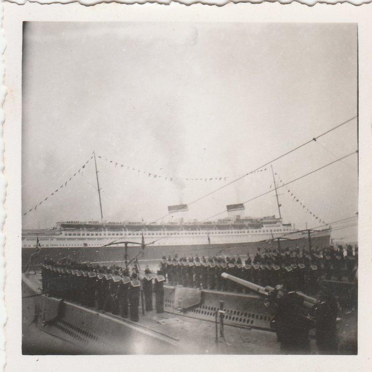 1938 Sommergibili Molo San Vincenzo Napoli Visita Hitler 4.jpg