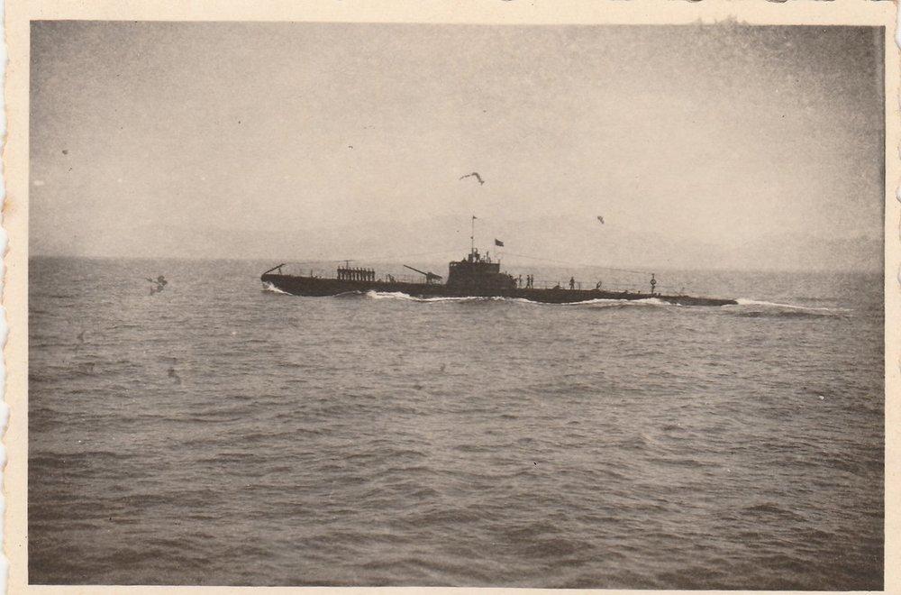 Sommergibile Adua 05-1937 Egeo 01.jpg