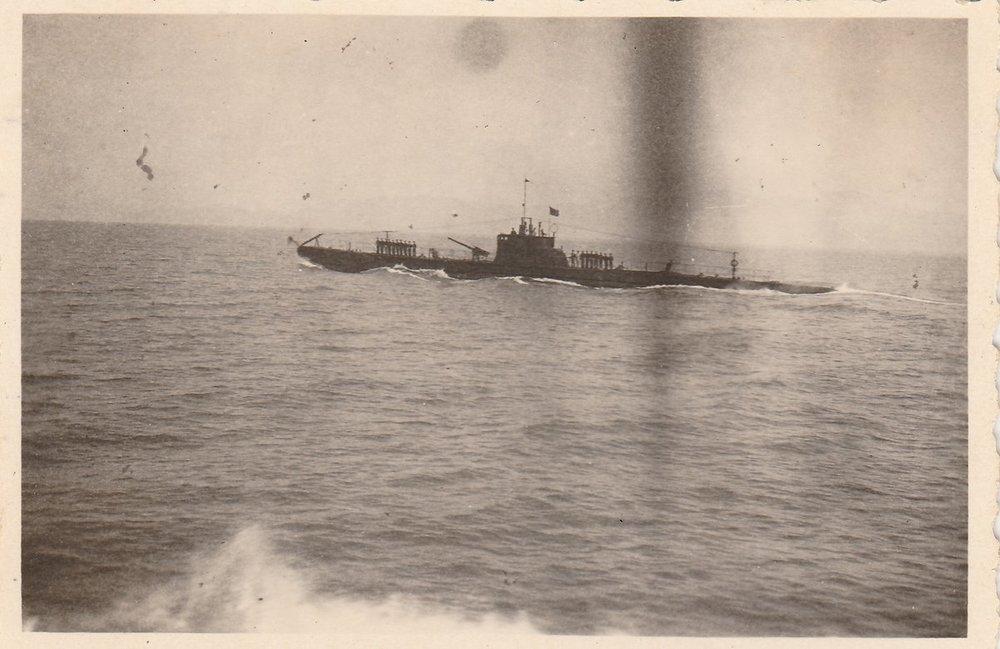 Sommergibile Adua 05-1937 Egeo 02.jpg